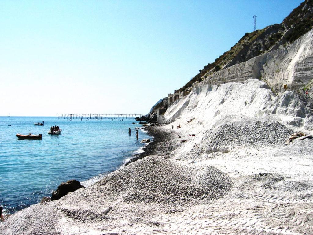 Spiaggia Acquacalda