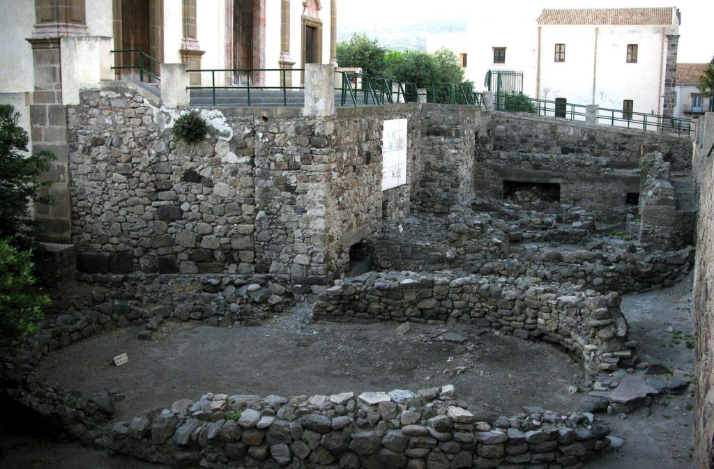 Cattedrale di San Bartolomeo - resti greco romani